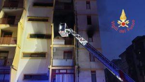 Incendio in un appartamento a Catanzaro