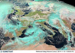 Allerta Meteo in Calabria per l'arrivo di una Tempesta Mediterranea con caratteristiche tropicali