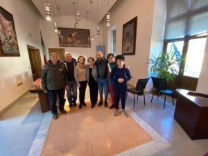 L'Amministrazione comunale di Borgia saluta la signora Santina Ferro, in pensione dopo 40 anni di onorato servizio