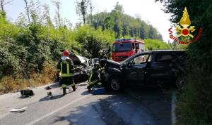 Incidente tra due auto a Spadola, feriti