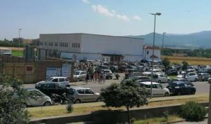 FOTO NEWS | Covid-19, triage quasi pronta a Soverato. E già ci sono lunghe file