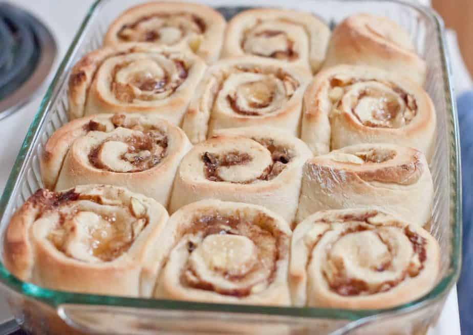 Apple Walnut Cinnamon Rolls Recipe : So Very Blessed - These Apple ...