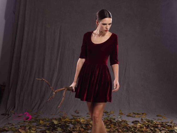 صور أجدد تصميمات لفساتين قطيفة للسهرة جامدة