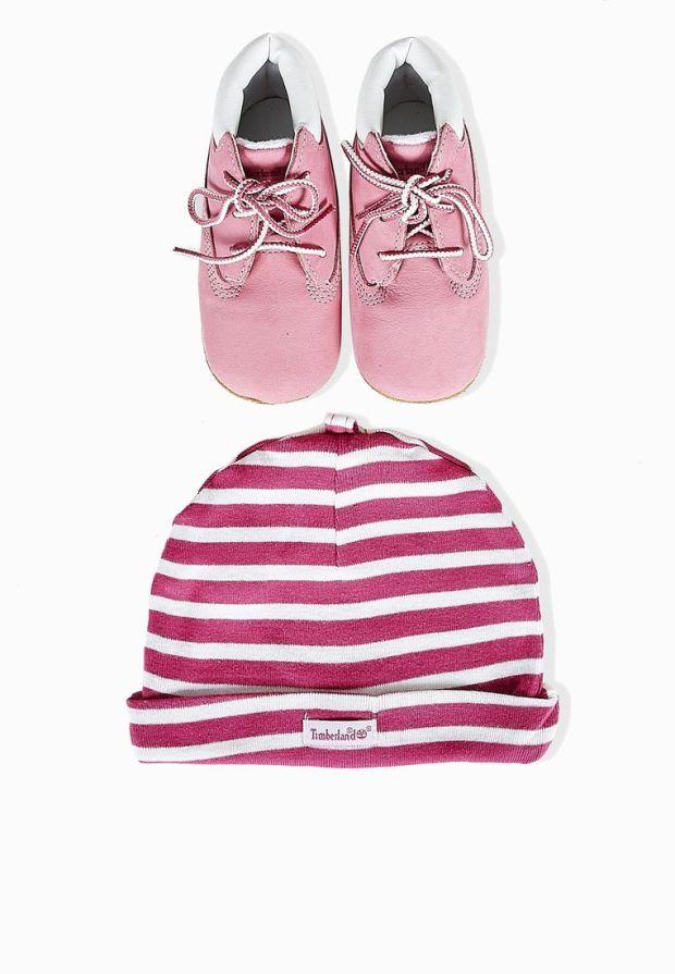 صور أحذية أطفال لفصل الشتاء منوعة