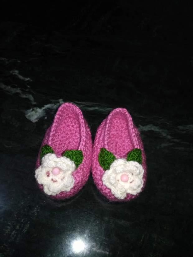 صور أحذية كروشية للأطفال حلوة