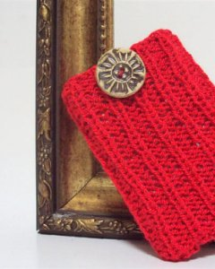 Featured Friday Etsy Finds: A little something in red.