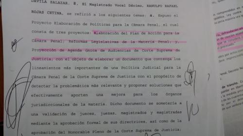 El acta del 25 de octubre, el día que el magistrado que dio a conocer que buscaba reformar el código.