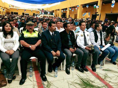 El alcalde de Aguacatán, Selvin Villatoro, junto a otras autoridades durante la presentación de las obras municipales. (Foto: La Noticia Digital 1301)