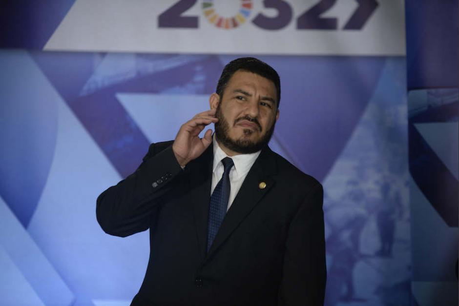 El ministro de Ambiente Alfonso Alonzo revocó la orden de compra por Q2.2 millones. (Foto: archivo/Soy502)