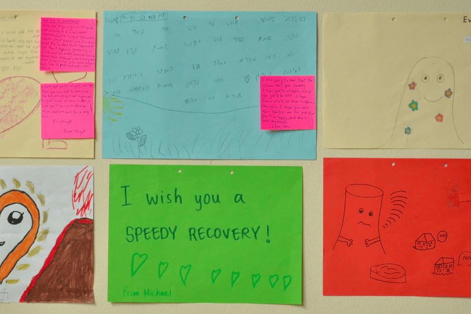 Los mensajes fueron hechos por estudiantes de primaria. (Foto: Gobierno)