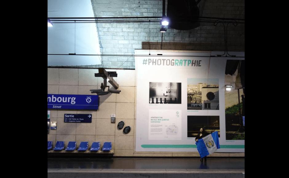 Mariela Mendoza exhibe su fotografía en las estaciones del metro de París. (Foto: Mariela Mendoza)