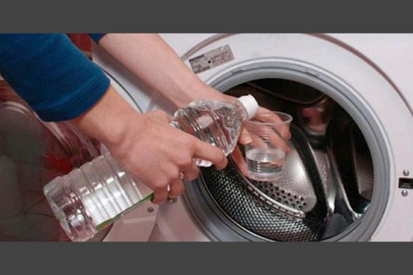 El vinagre blanco tiene muchos beneficios para la ropa a la hora del lavado. (Foto: Tv Pacífico)