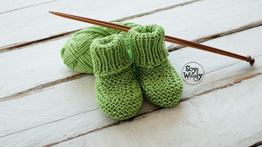 como tejer botitas de bebe faciles en dos agujas tricot palillos calceta