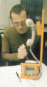 Versuchsmodell für besser handhabbares Standardtelefongerät