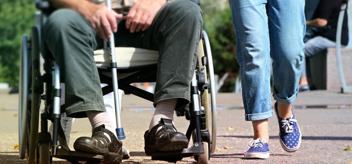 Rollstuhl Begleitung