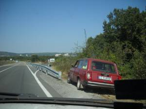 Мантинела край Созопол побърка туроператори и шофьори  5
