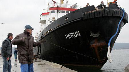 """Моряшкият профсъюз започна подписка за възстановяване на спасителния кораб """"Перун"""" 1"""