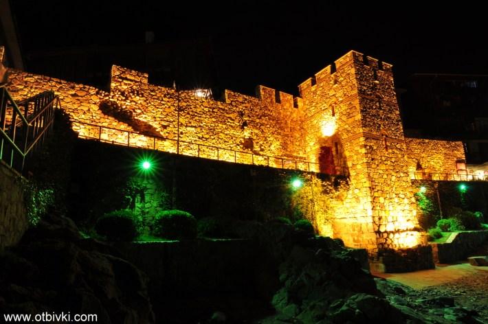 Южната крепостна стена и кула в Созопол