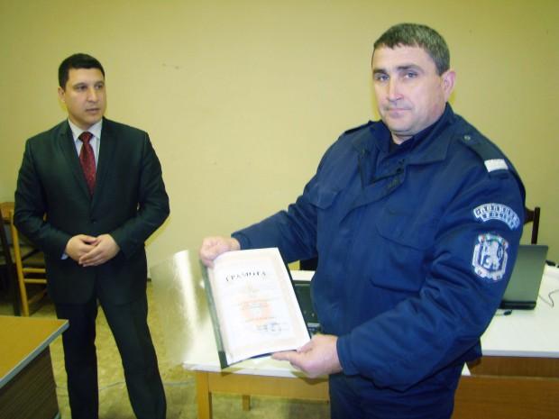 """Избраха """"Полицай на месеца"""" в Созопол"""