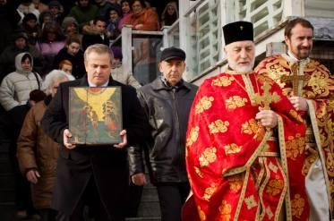 Литийното шествие предвождано от отец Иван