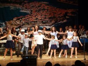 Сдружение за Бългро - Гръцко Приятелство изнесе спектакъл - концерт посветен на любовта и почитанието към родния град, неговите традициите и обичаи 1