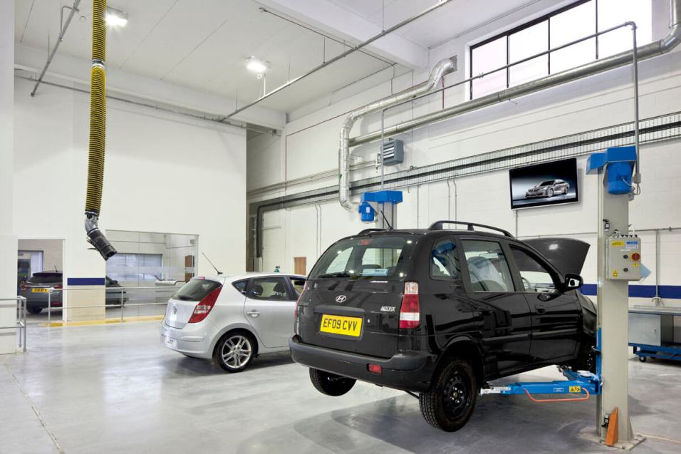 Image of Hyundai Training Centre workshop fit-out with mezzanine floor