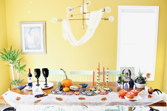 Space and Habit Halloween Dining Room Decor