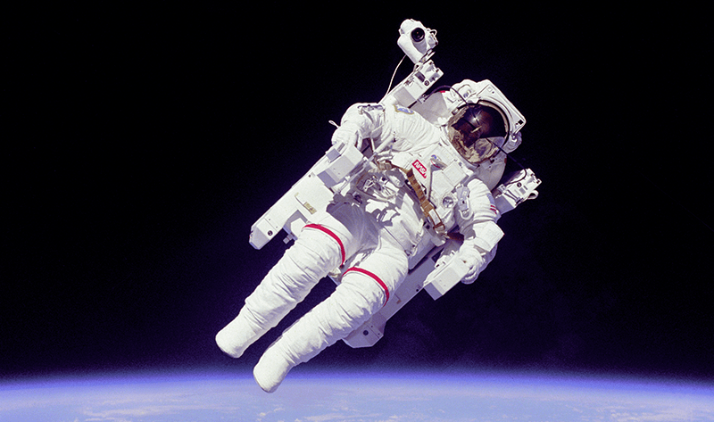 Astronaut-EVA-crop-800x473