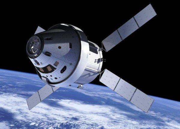 Different vehicles - different purposes: Orion and the ...