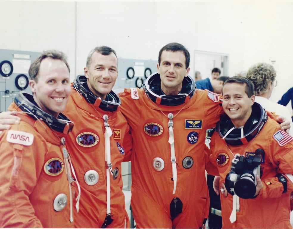 Astronaut dating simulator ariane help phone