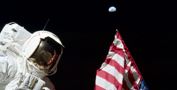 Harrison Schmitt on the Moon during Apollo 17. Photo ...