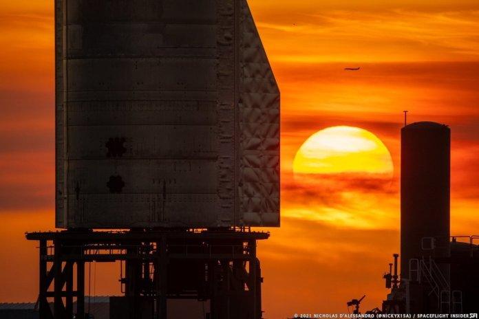 Starship at sunrise. Credit: Nicholas D'Alessandro / Spaceflight Insider
