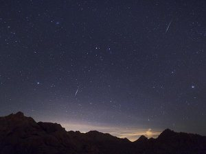 2012 Quadrantid meteors over the Mojave Desert (Credits: Wally Pacholka/TWAN/National Geographic).