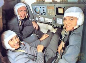 Georgi Dobrovolski (left), Vladislav Volkov (right) and Viktor Patsayev (background) of Soyuz 11 never made it back to Earth (Credits: Spacefacts).