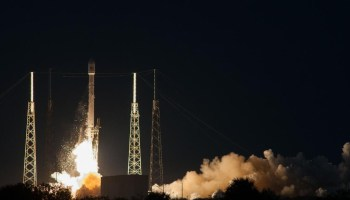 Falcon 9 v1.1 lifts-off from Cape Canaveral for its first GTO mission (Credits: SpaceX).