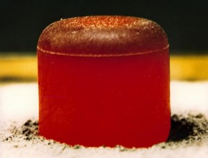 An Pu-238 pellet (Credits: Los Alamos Natıonal Laboratory).