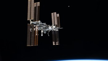 While picturesque, the stresses of living aboard the ISS can be immense, and give us a profound look at the difficulties that lay ahead (Credits: NASA).