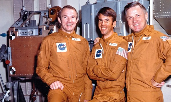 The Skylab 4 crew – Gerry Carr, Ed Gibson, Bill Pogue – switched off the radio and ignored NASA. credits: spacefacts.de