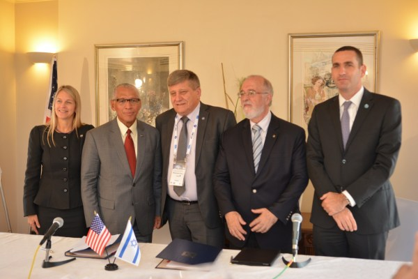 NASA Administrator Charles Bolden and Israel Space Agency Director General Menachem Kidron signed a cooperation agreement in Jerusalem. Credit: Yair Zrika.