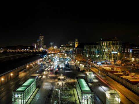 5_night-city-view-of-Malmo,-Sweden
