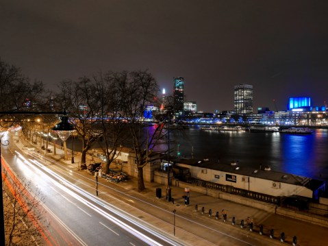 6_night-city-view-of-London,-England