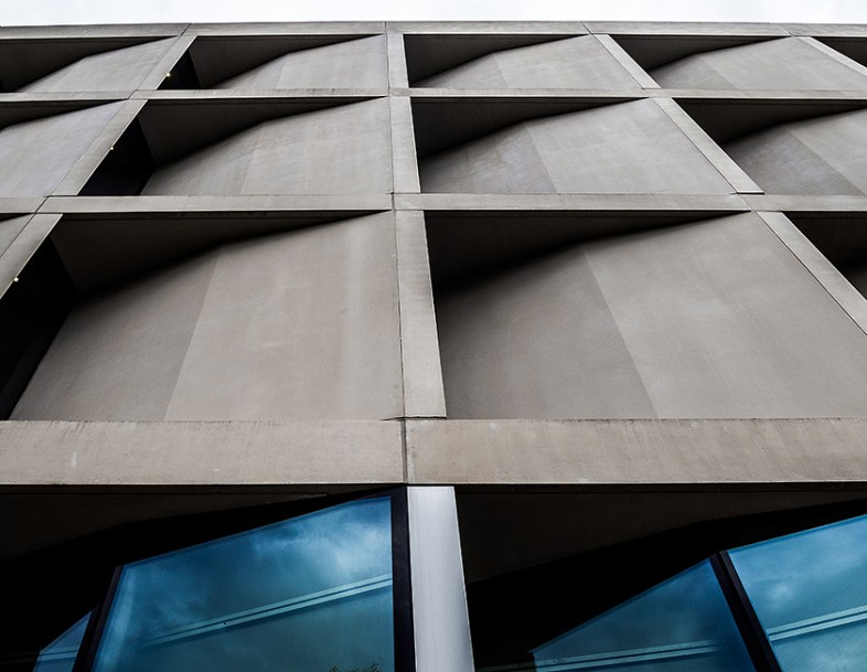 Greenwich-university-of-architecture-in-Stockwell-street-designed-by-Heneghan-Peng-Architects_London-(5)