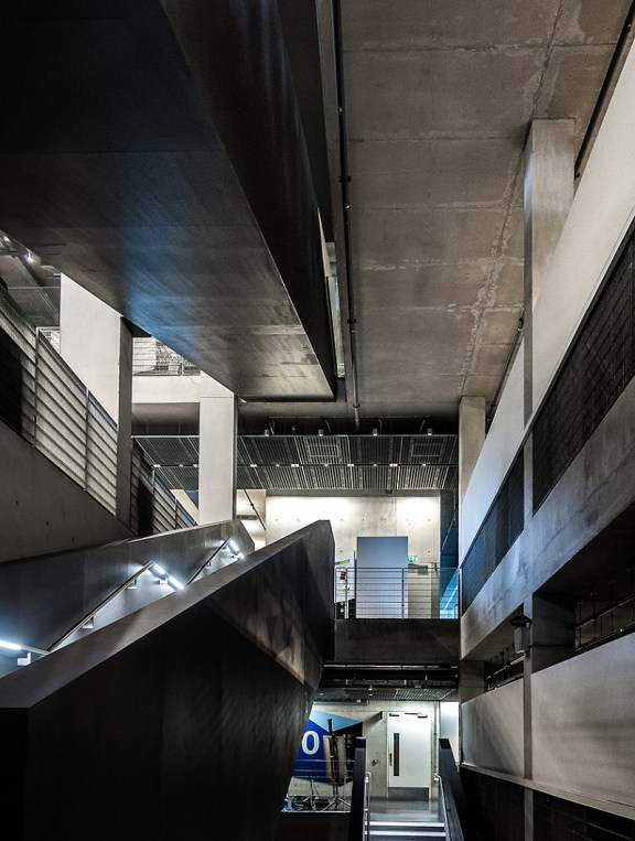 Greenwich-university-of-architecture-in-Stockwell-street-designed-by-Heneghan-Peng-Architects_London_interior-(5)