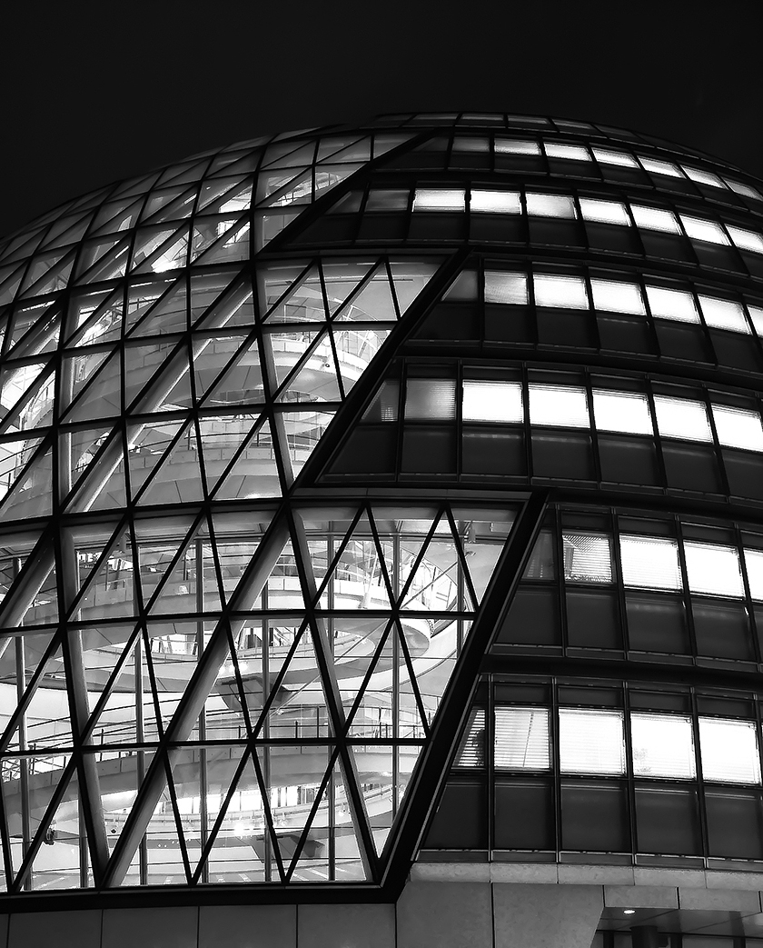 London-City-Hall-designed-by-Norman-Foster_spacesXplaces-(2)