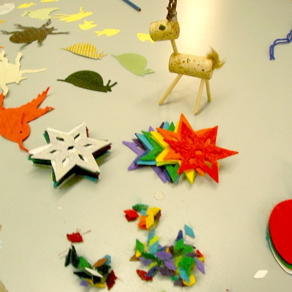Upcycled holiday crafts at Tinkertopia