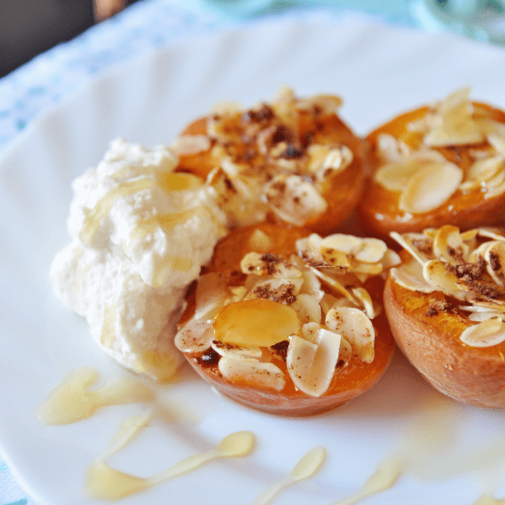 Baked Apricots with Honey and Almonds