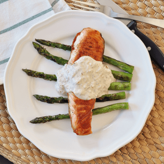 Grilled Salmon & Asparagus with Cream Sauce