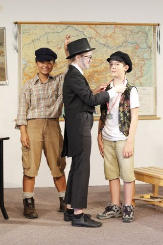 MKÜ_Theater_SchlimmeBuben19-10