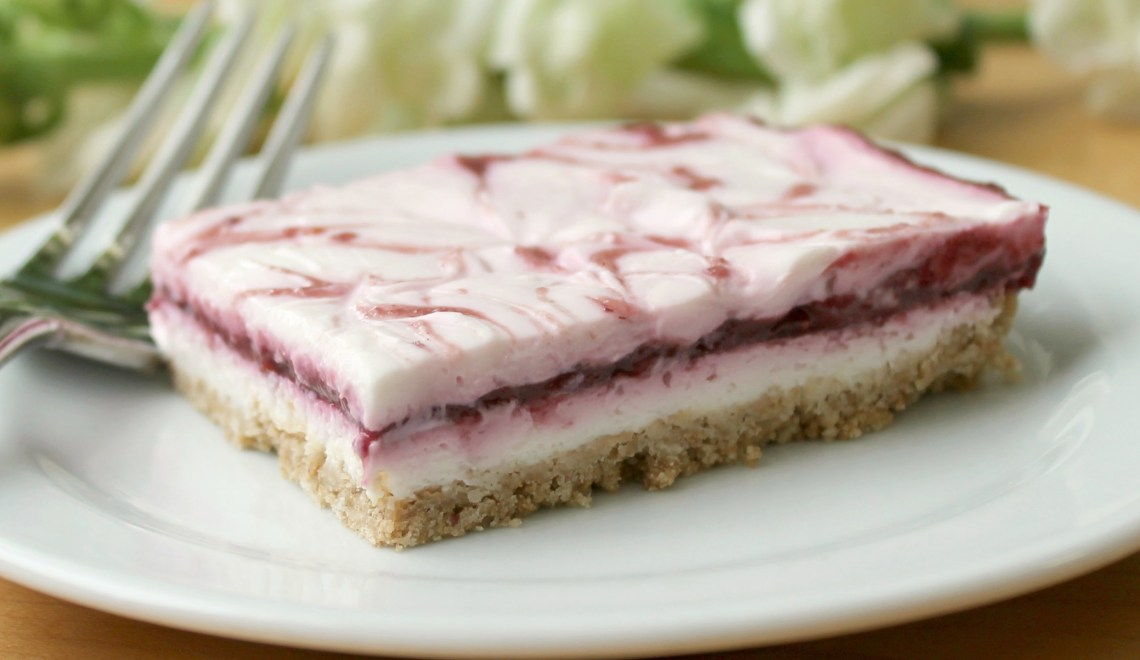 No Bake Layered Cheesecake via Spanglish Spoon