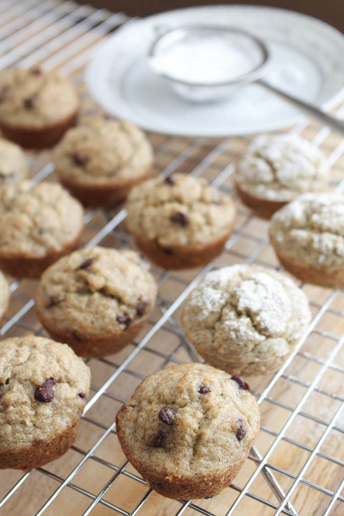 Banana Oatmeal Mini Muffins